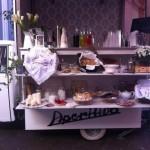 L'APEritivo a Napoli, un brindisi originale e di tendenza in giro per le strade