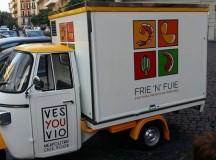 Frie' n' 'Fuie la rivoluzione dello street food targata Vincenzo Di Fiore affidata a tre Ape Car Piaggio
