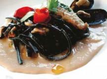 Terra Mia, Scialatiello nero di seppia su crema di fagioli con cozze e triglie