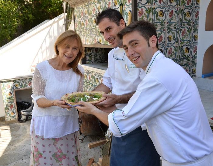 """L'iniziativa di Ciro Oliva: pizze per chef stellati della Campania, la prima al decano  """"don Alfonso"""""""