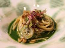 Spaghetti maxi con noci, limone e braciole di trippe di baccalà