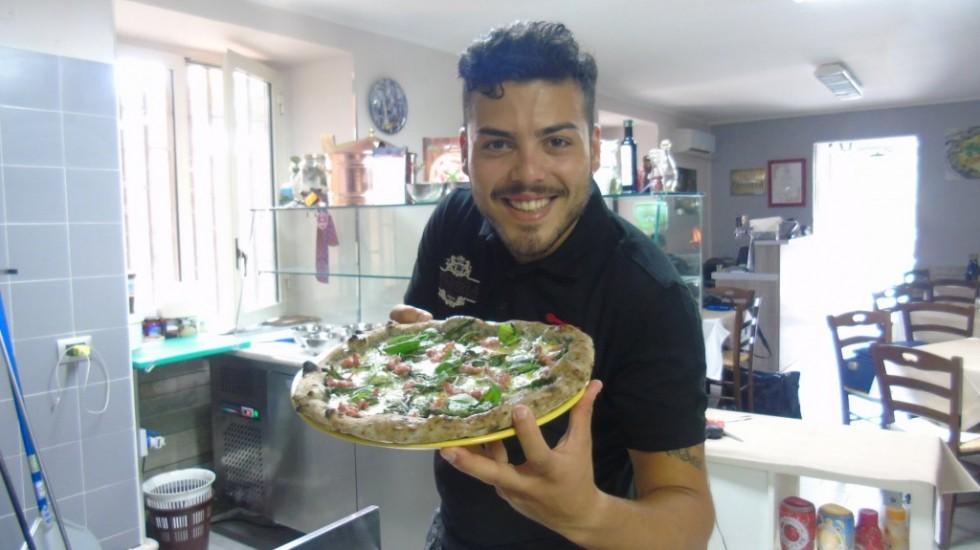 GAMBERO ROSSO-TRE SPICCHI Tra le stelle Francesco Vitiello di Tuoro, Antonio La Marca e Gennaro Salvo