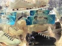 Le scarpette di Maradona imperversano al Chocoland al Vomero